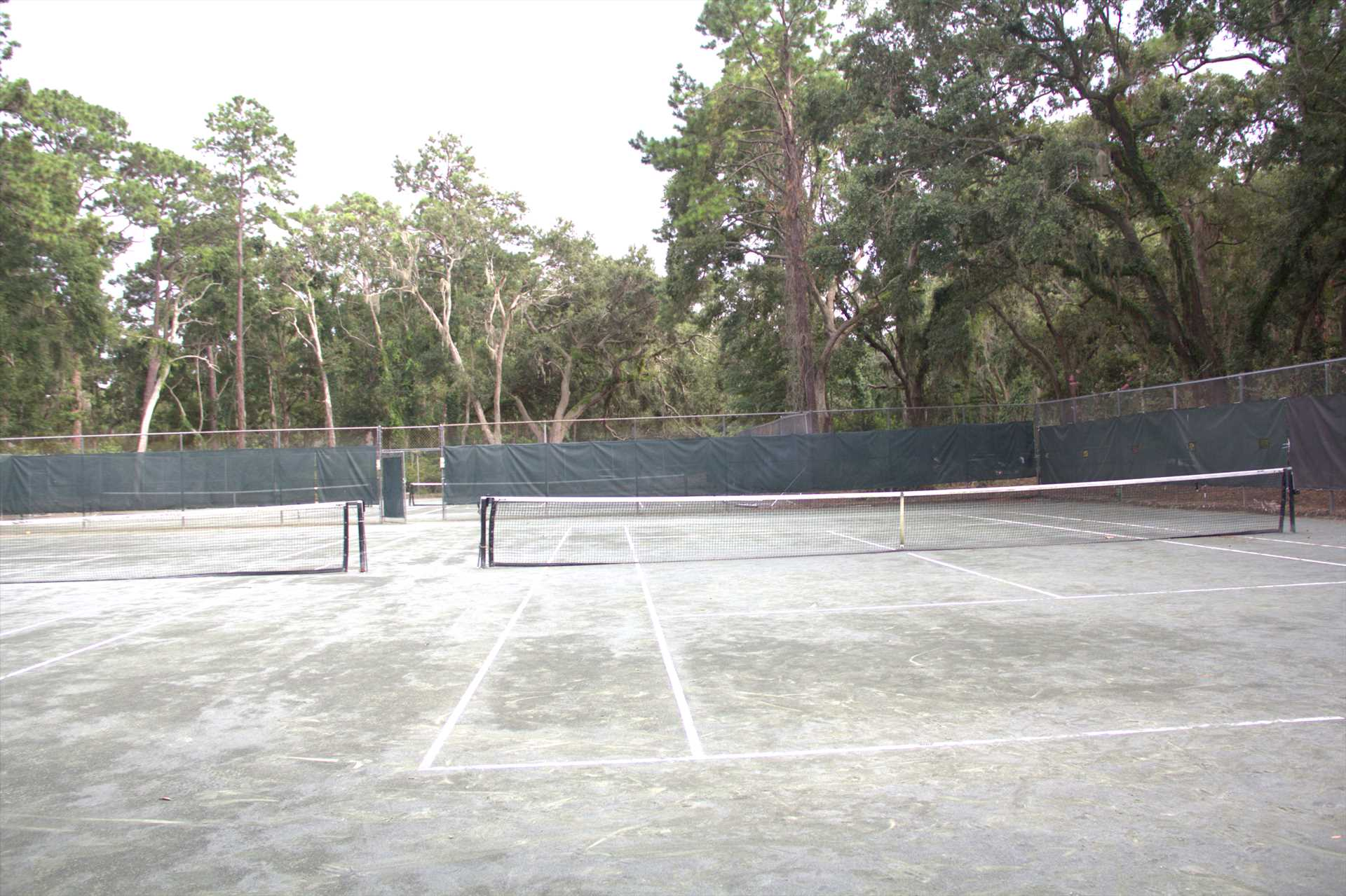 There are 4 clay tennis courts