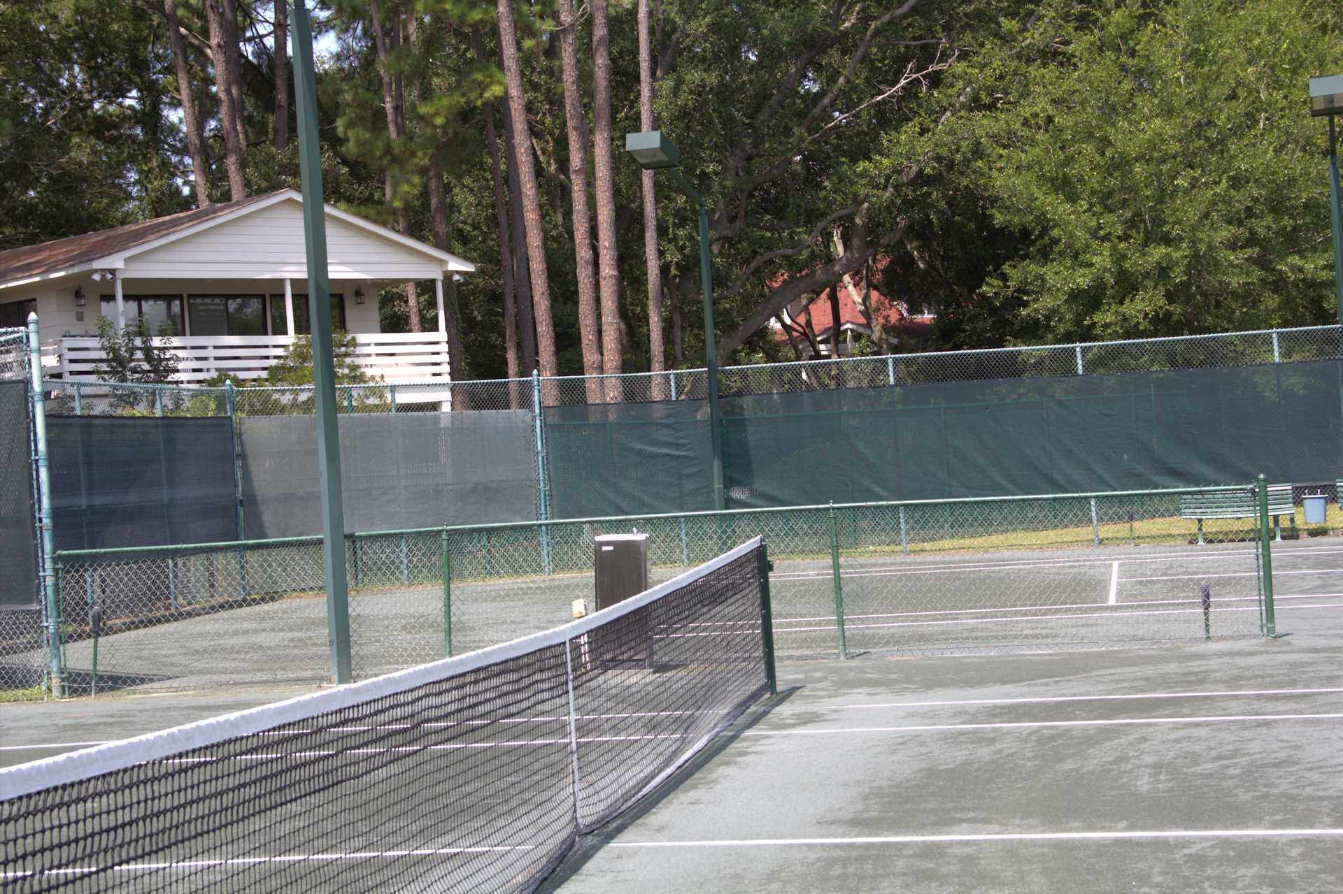 There is 1 hour of free tennis everyday