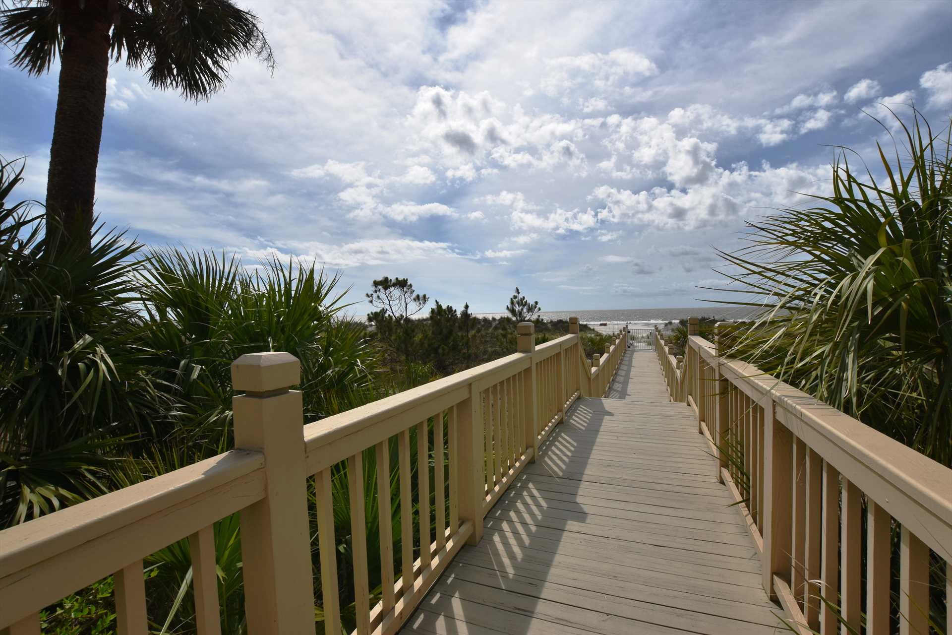 Your walk way to the beach